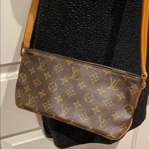 LV bag 100% authentic
